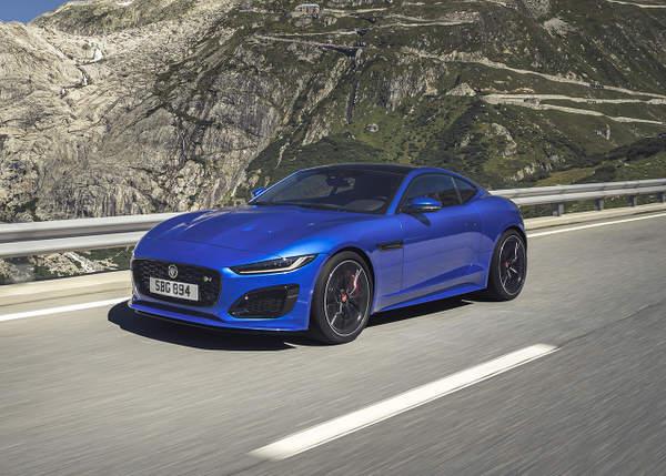 La Jaguar F Type figure bien entendu dans notre classement des meilleures voitures sportives